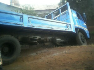 lorry wedged in a drain